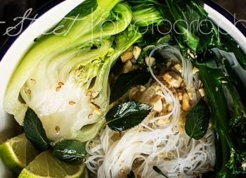 Noodles con curry verde y Pak Choy