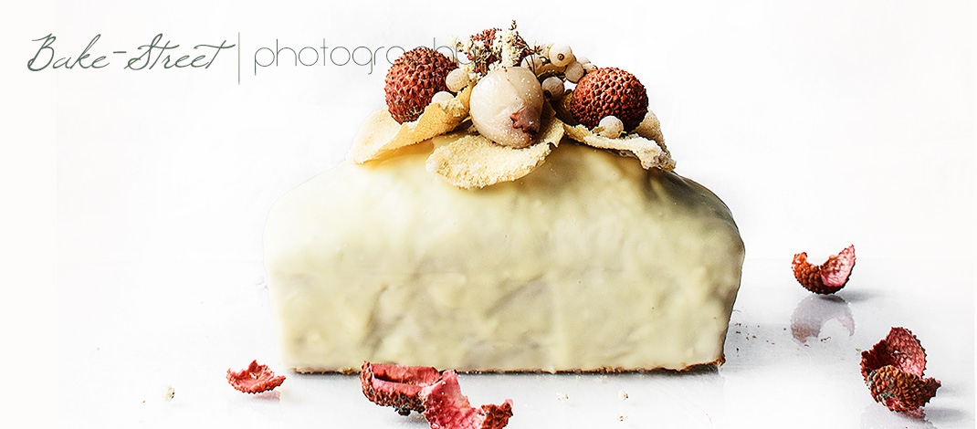 Coconut and lychees cake with white chocolate