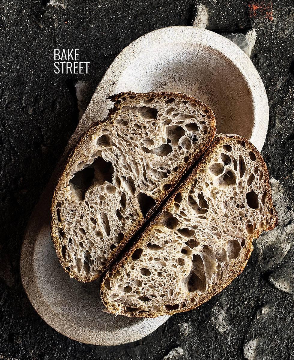 Pan masa madre 77% hidratación
