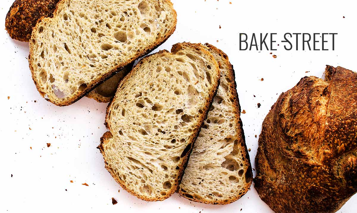 Pan con masa madre, pruebas con harina y amasado