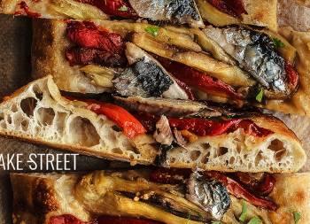 Coca de recapte con sardinas