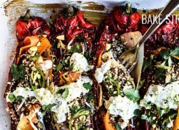 Pimiento rojo italiano relleno de quinoa tricolor con verduras