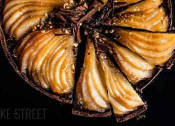 Pear and chocolate tart