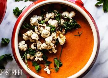 Tomato soup with plum, Bourbon and spicy popcorn