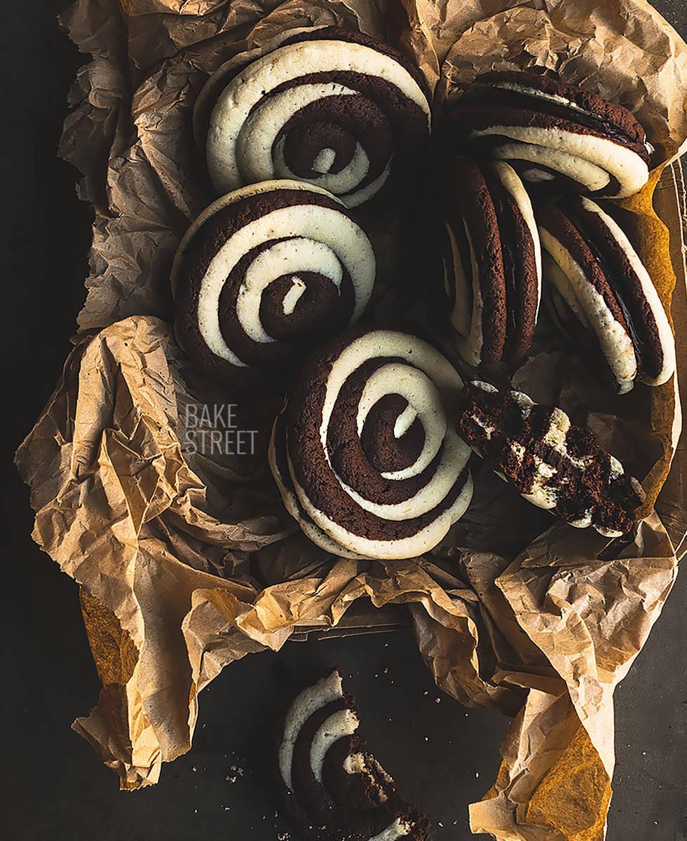 Galletas de plátano y caramelo con chocolate