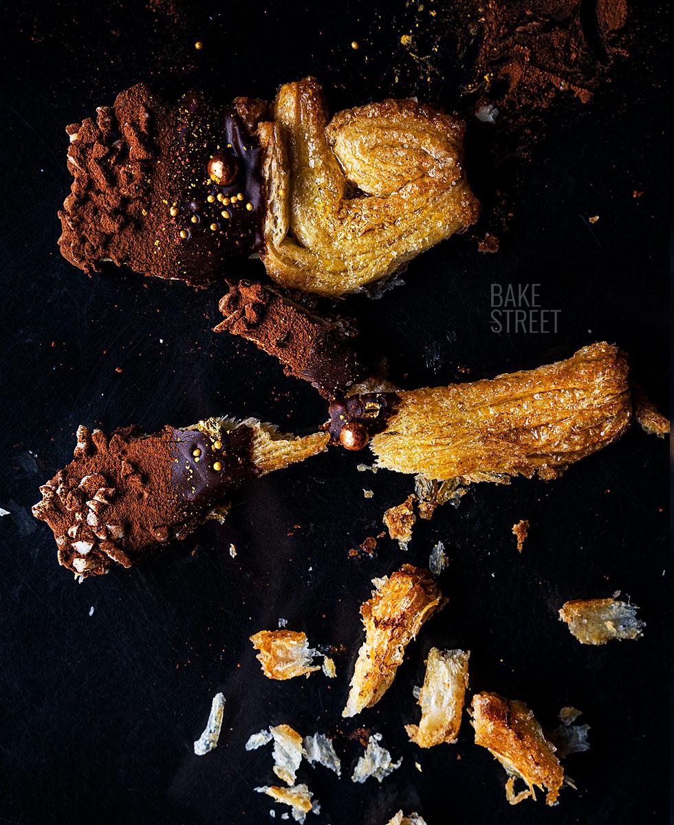 Cómo hacer palmeras de hojaldre con chocolate fondant