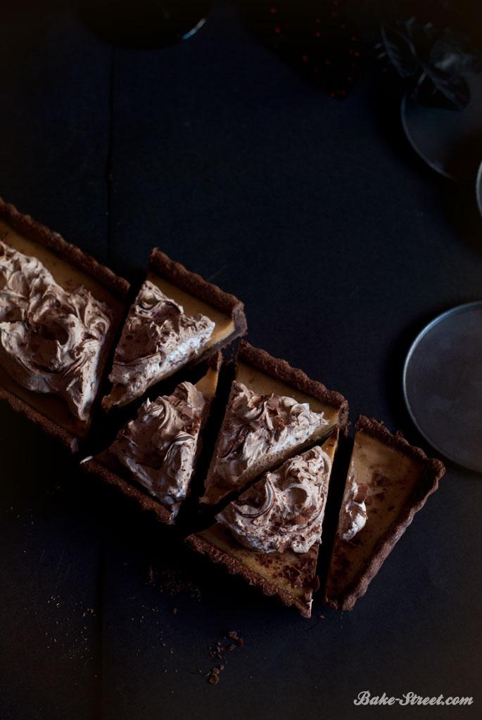 El jinete sin cabeza: Dark Chocolate Pumpkin Pie by Katrina Van Tassel