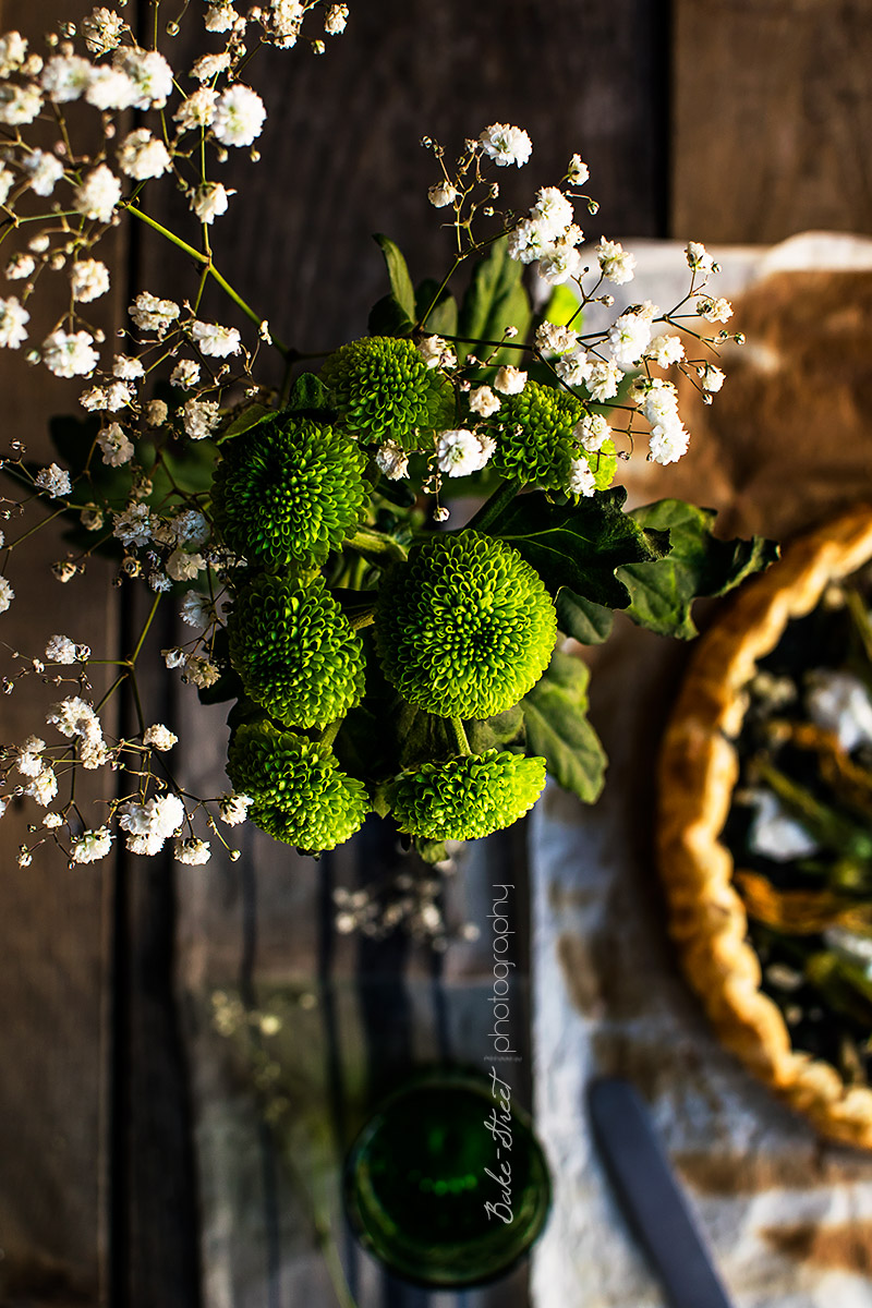Pastel de Córcega con flores de calabacín